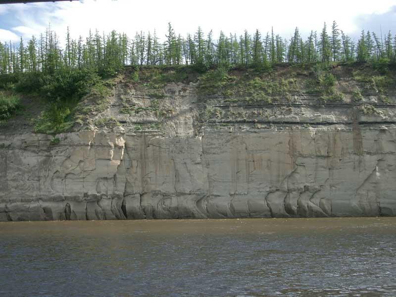 Усть-Кут.RU : Каменистый ланшафт берега