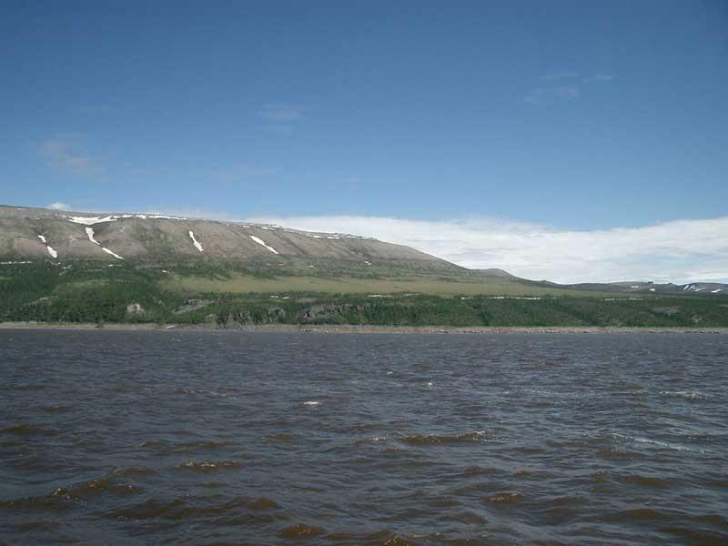 Усть-Кут.RU : Устье реки Лены и берег с завораживающими каменными холмами