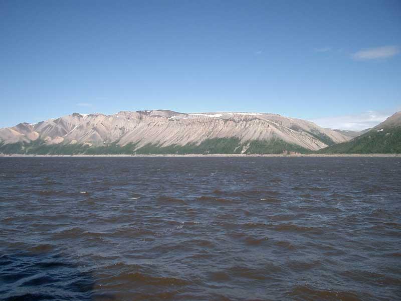 Усть-Кут.RU : Каменные холмы великаны и красота водной глади