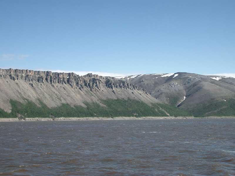 Усть-Кут.RU : Могущественность скальных холмов