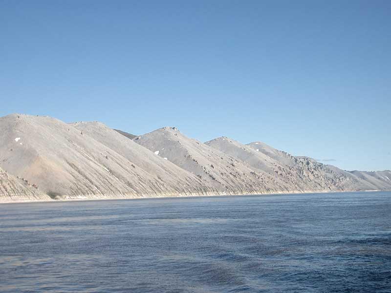 Усть-Кут.RU : Скальные холмы берега