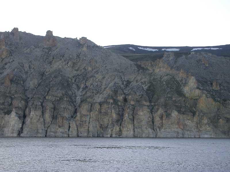 Усть-Кут.RU : Скальный берег