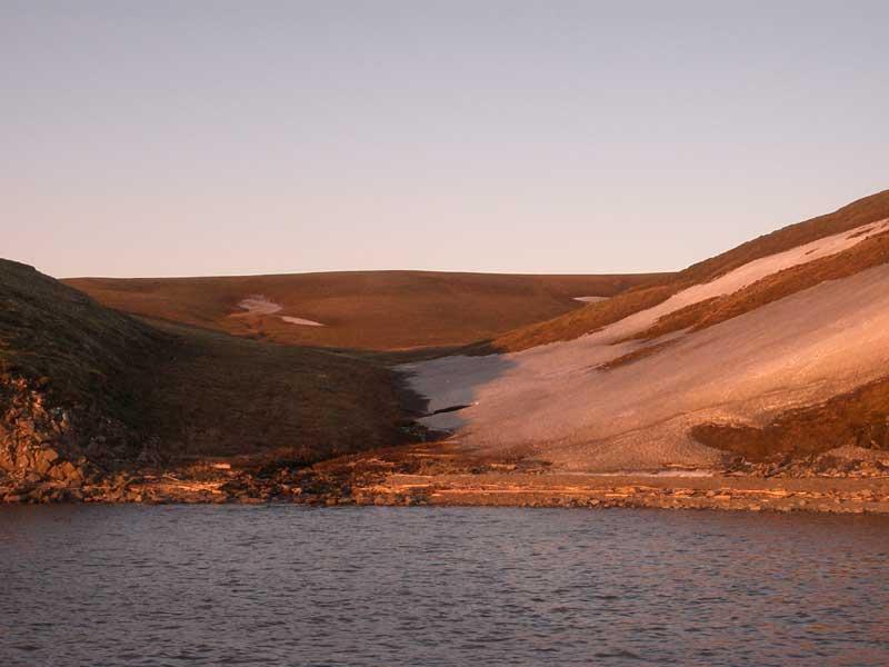 Усть-Кут.RU : Холмистый берег на закате