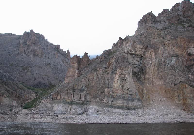 Усть-Кут.RU : Горы вдоль правого берега реки