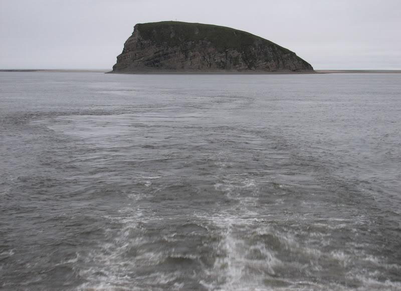 Усть-Кут.RU : Остров столб напоминающий профиль лица Шамана