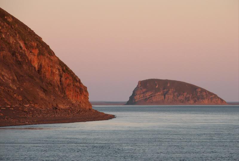 Усть-Кут.RU : Остров столб ночью