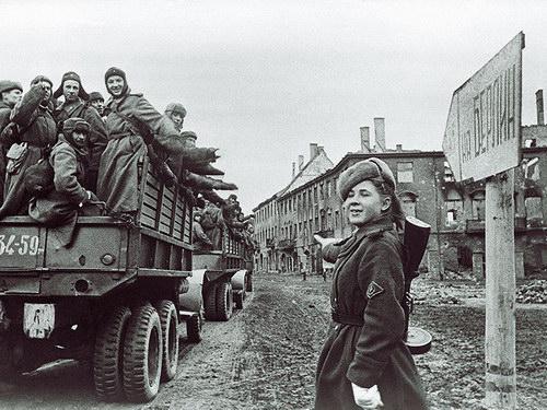 Издевательство над девушками немцами фото 644-870