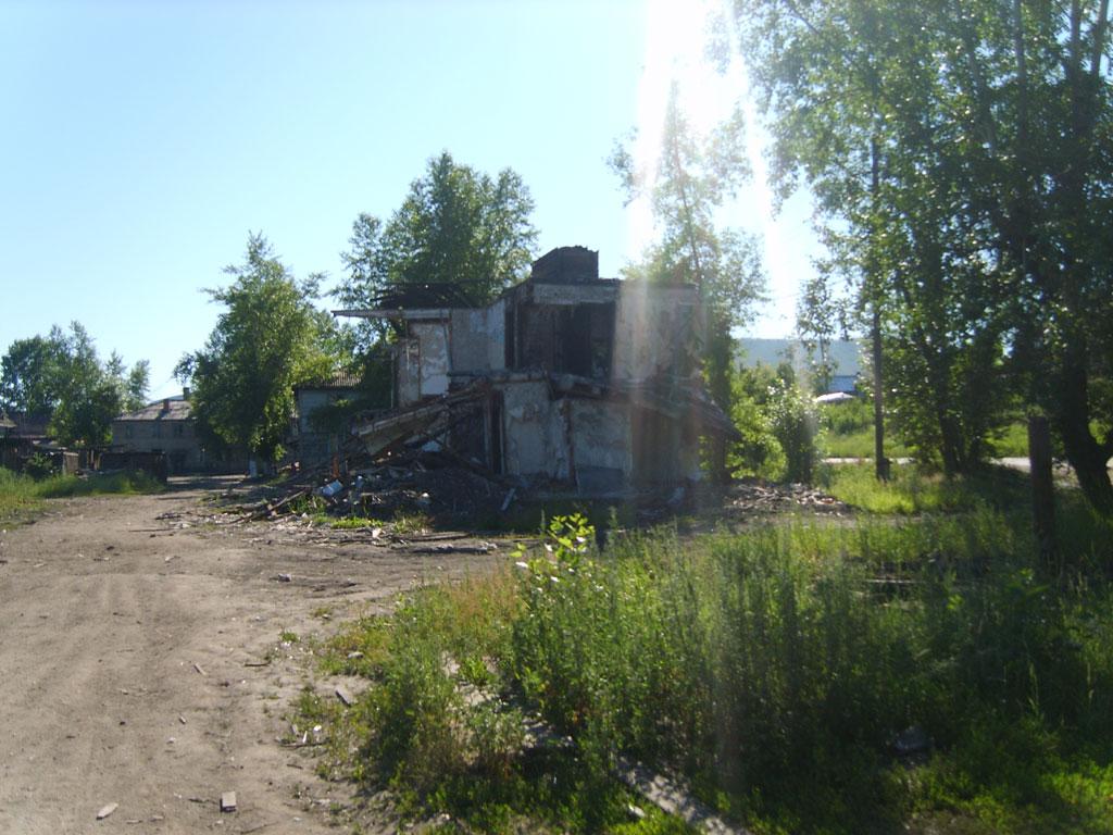 Усть-Кут.RU : Развалиный дом