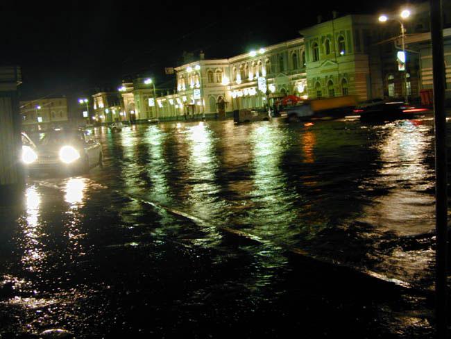Усть-Кут.RU : В Иркутске около вокзала наводнение