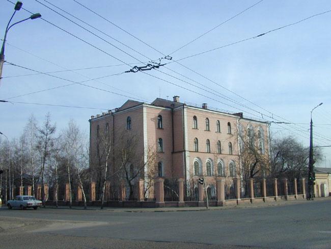 Усть-Кут.RU : Здание на углу