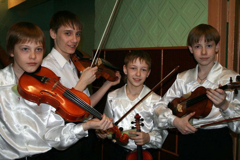Усть-Кут.RU : 2.8.8  Молодые таланты. Автор Лариса Табаринцева