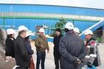 Экскурсию по заводу провел директор В.П. Маркелов
