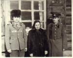 З.И. Антипина с сыновьями Геннадьем и Николаем Ив