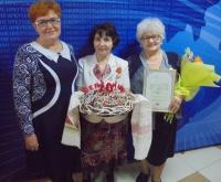 Надежда Олейникова в числе делегатов (справа)