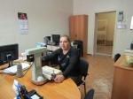 Мария Скрябикова прошивает документы